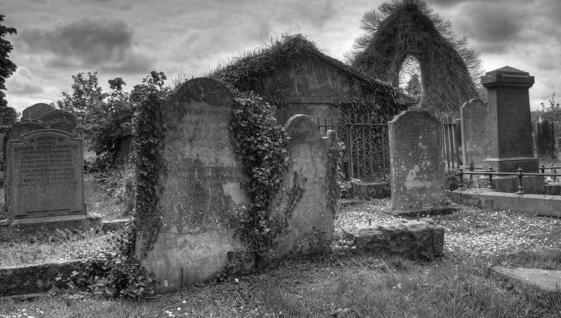 spooky_graveyard